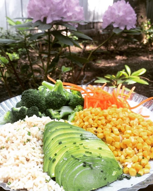 Summer foods! #veganbowl #healthyfood #vegan #avocado #eatconsciously #nyc #catering #green #organic #farmersmarket #greenrestaurant #leedgold #sustainablefashion #sustainable