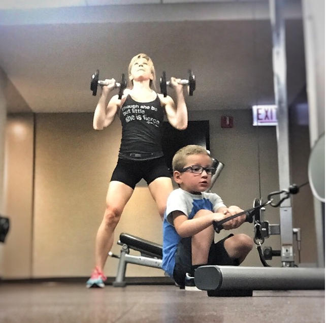 fit mom erica and curtis