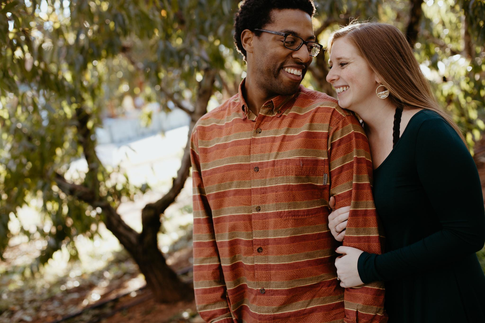 Charlottesville-Fall-Engagement-Photos_003.jpg