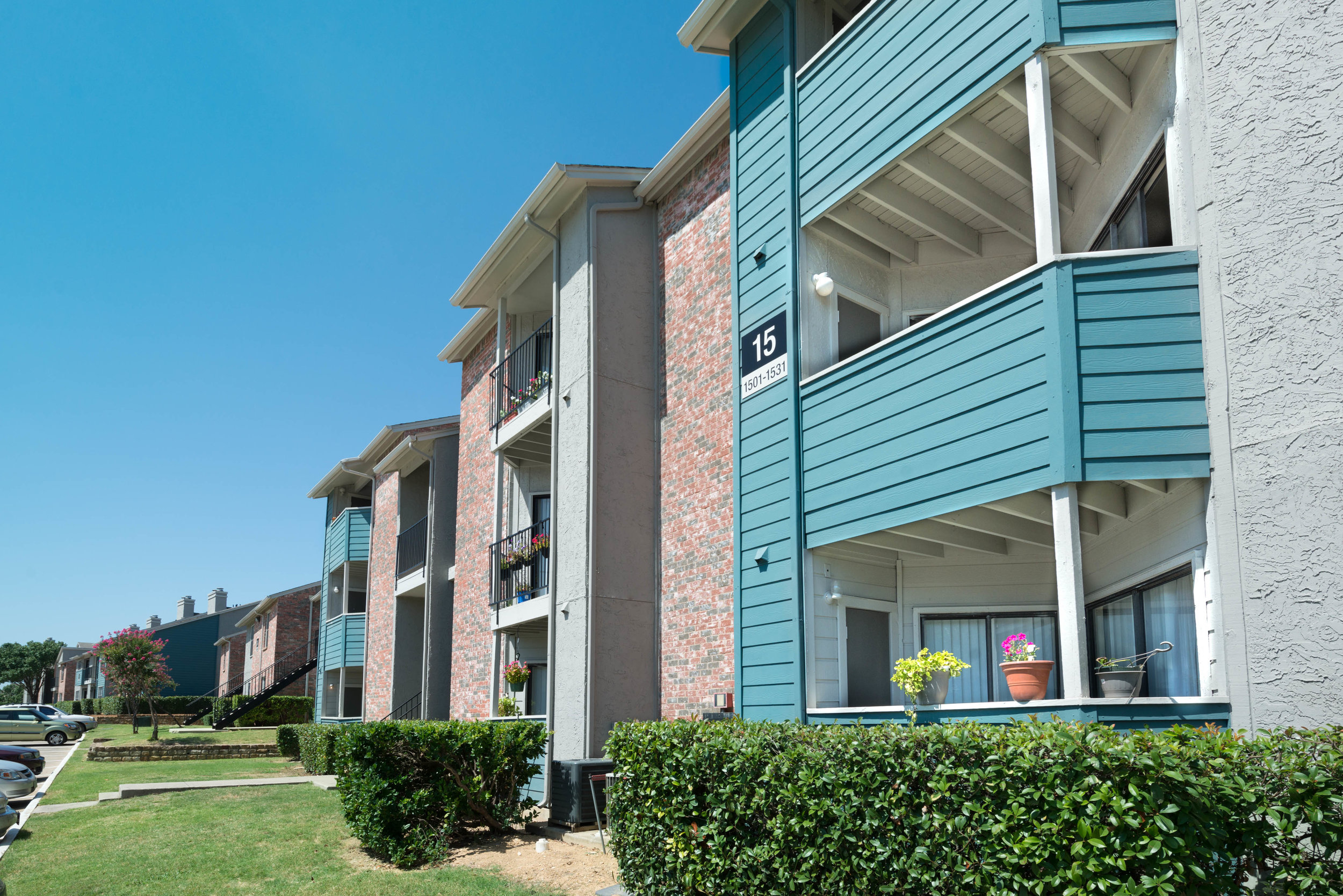 Modern Gem Design :: How to Select an Exterior Paint Scheme for Your Multifamily Property