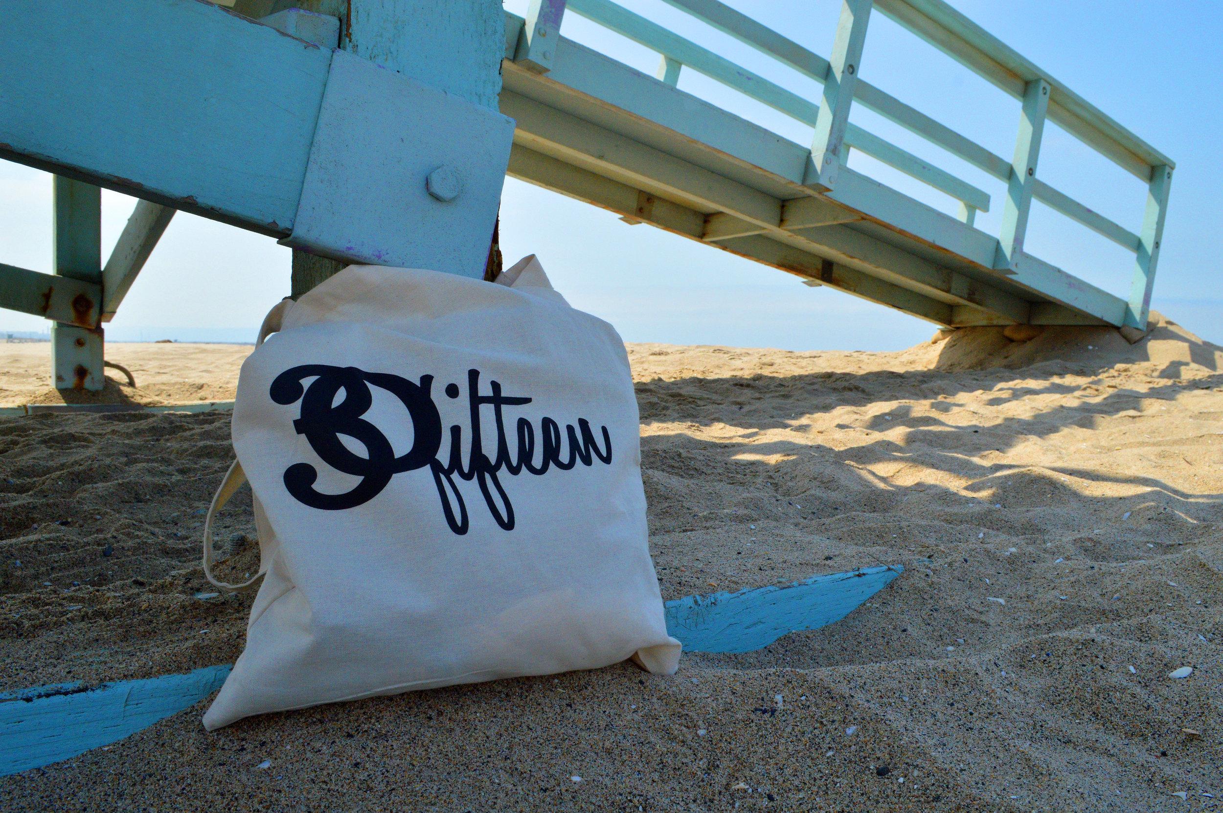 30Fifteen-tote-bag-beach