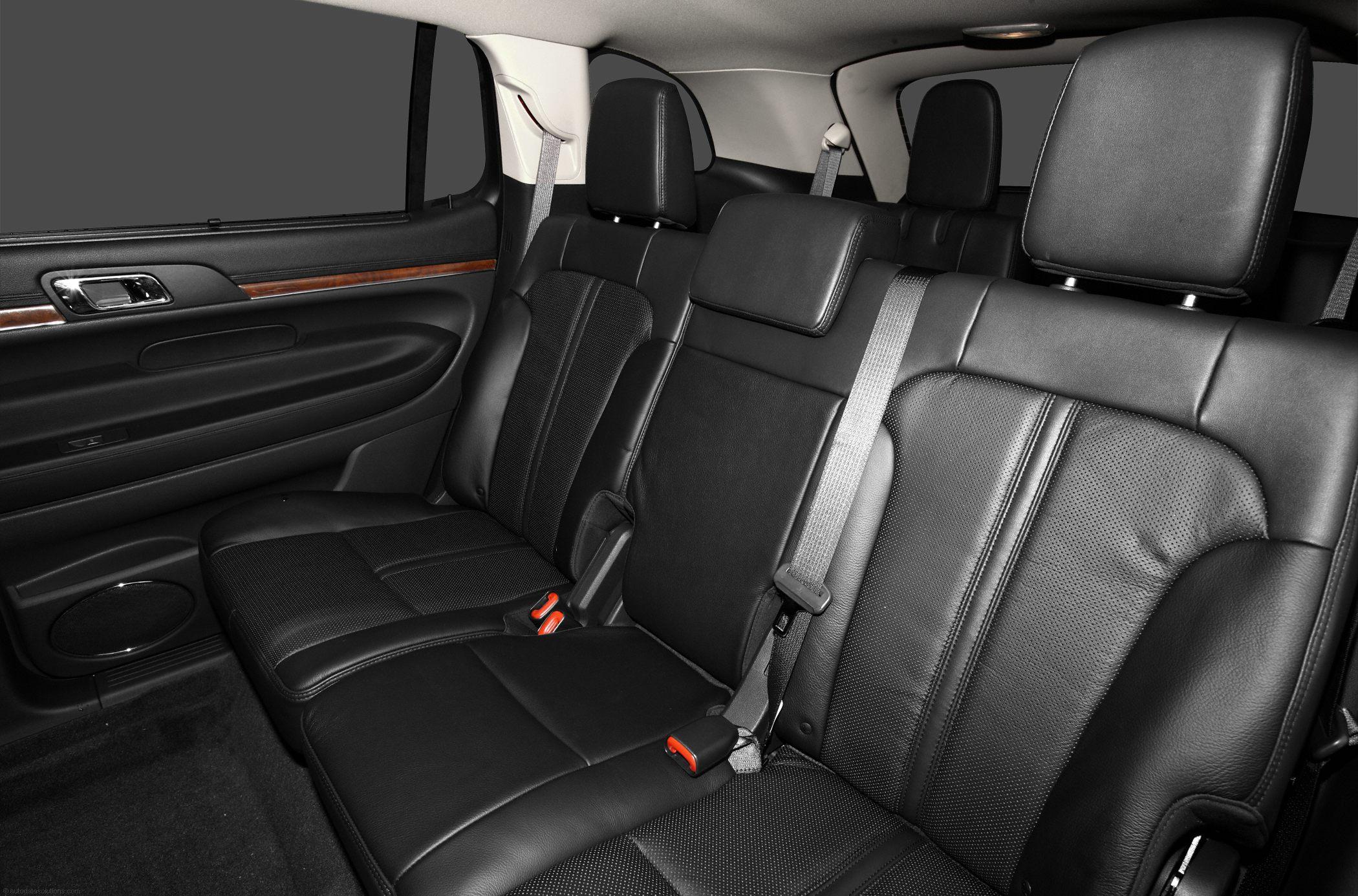 lincoln-mkt-interior-16.jpg