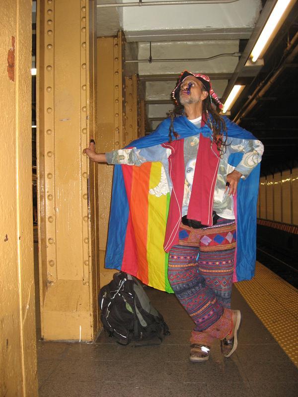 Fantuzzi blending into the background NY Subway.JPG
