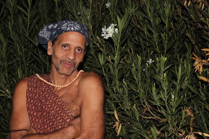Fantuzzi amid the oleander 2011.jpg