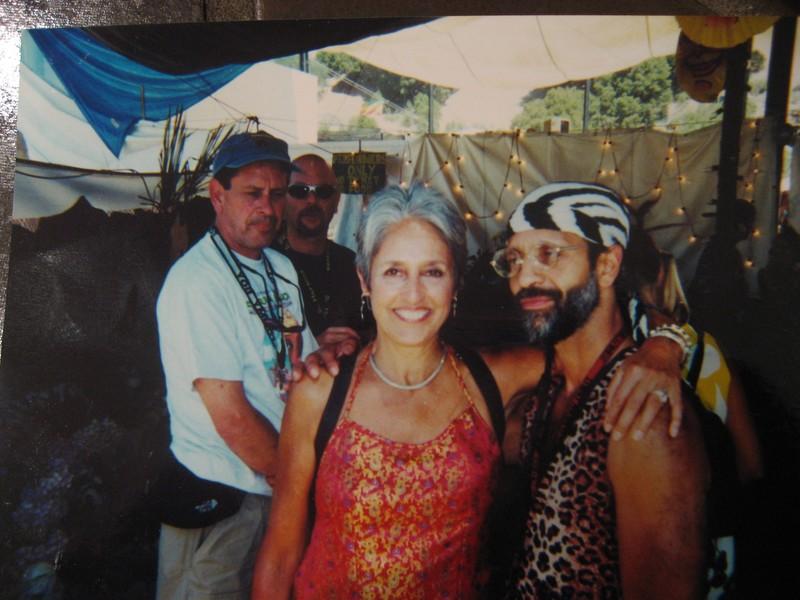 Fantuzzi with Joan Bayez.JPG