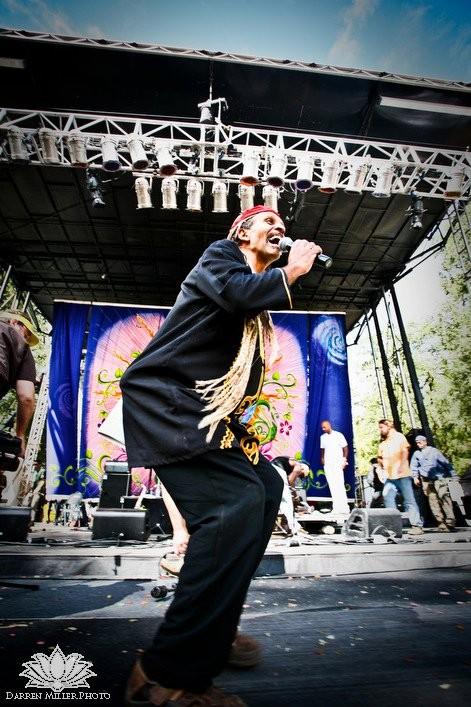 Fantuzzi Earthdance 2010.jpg
