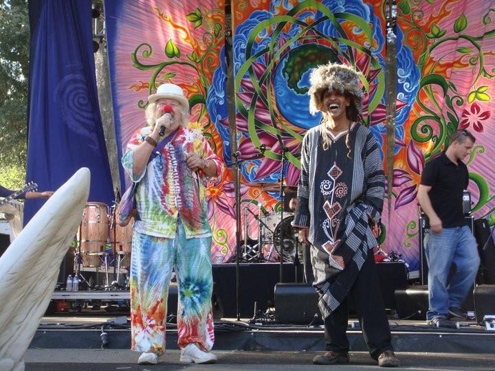Fantuzzi with Wavy Gravy Earthdance 2010.jpg