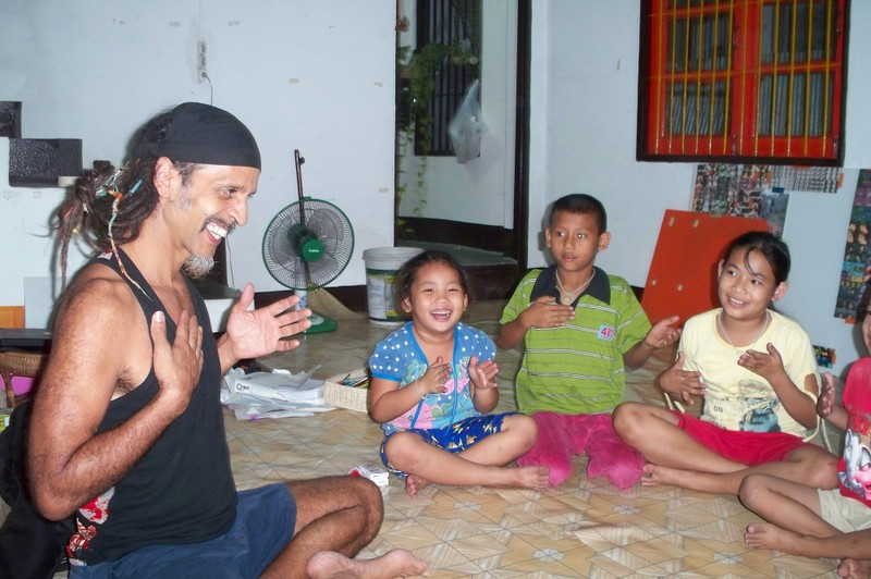 Fantuzzi and kids 3.JPG