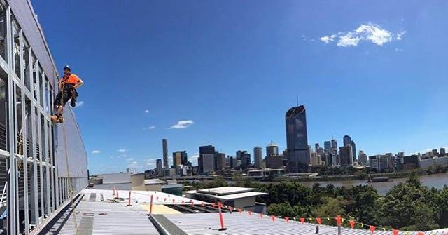 Not a bad view from the office 🌞 #brisbane #ropeaccess #southbank
