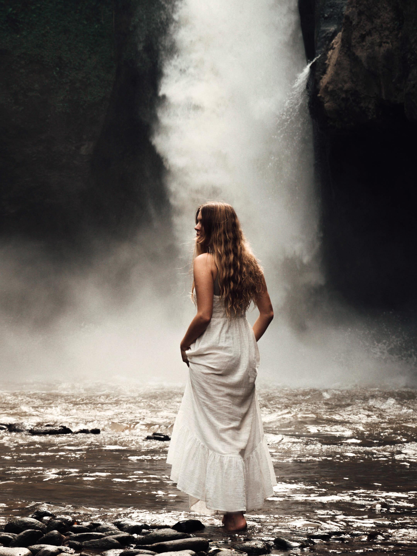tegenungan waterfall 1.jpg