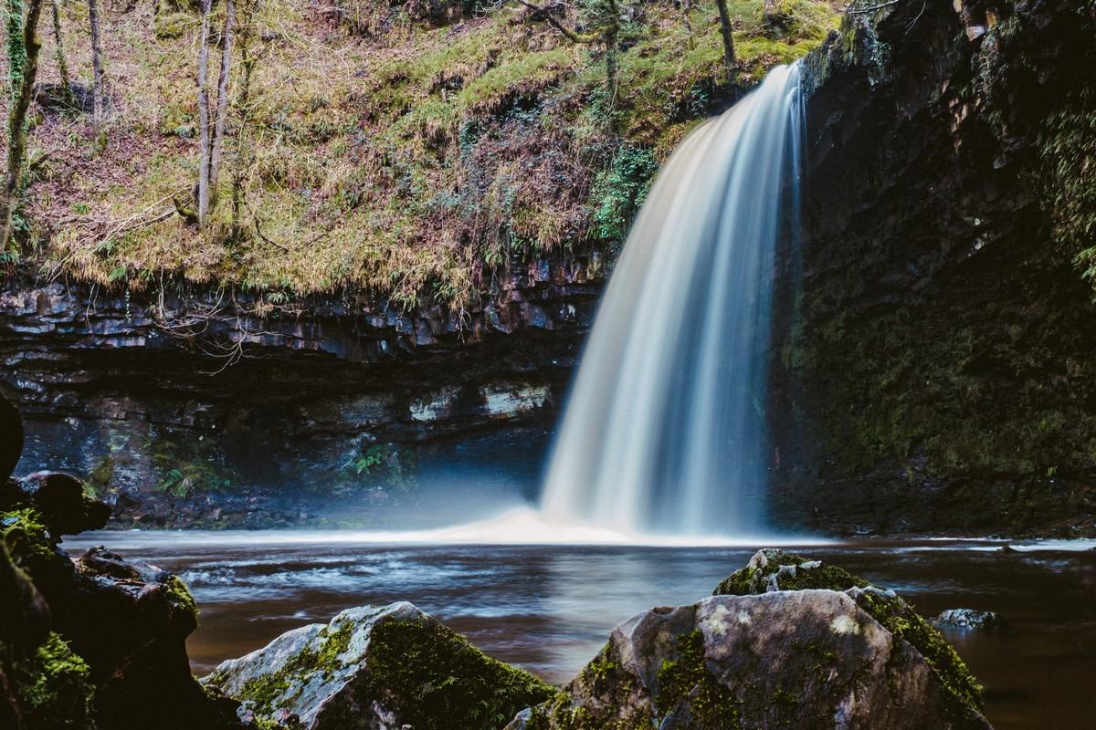 DSCF4789-Waterfall 3 (Cropped).jpg