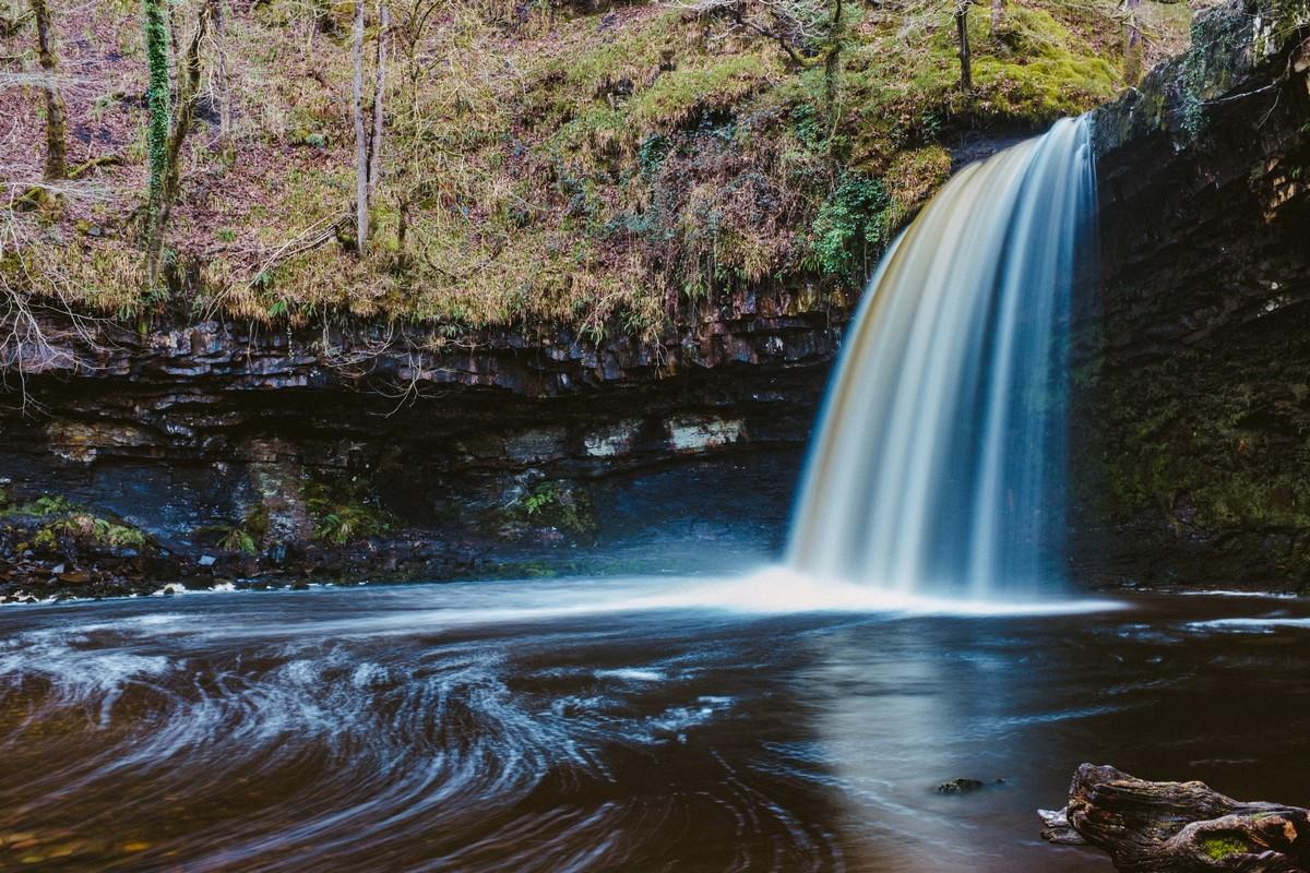 DSCF4788-Waterfall 3 (Cropped).jpg