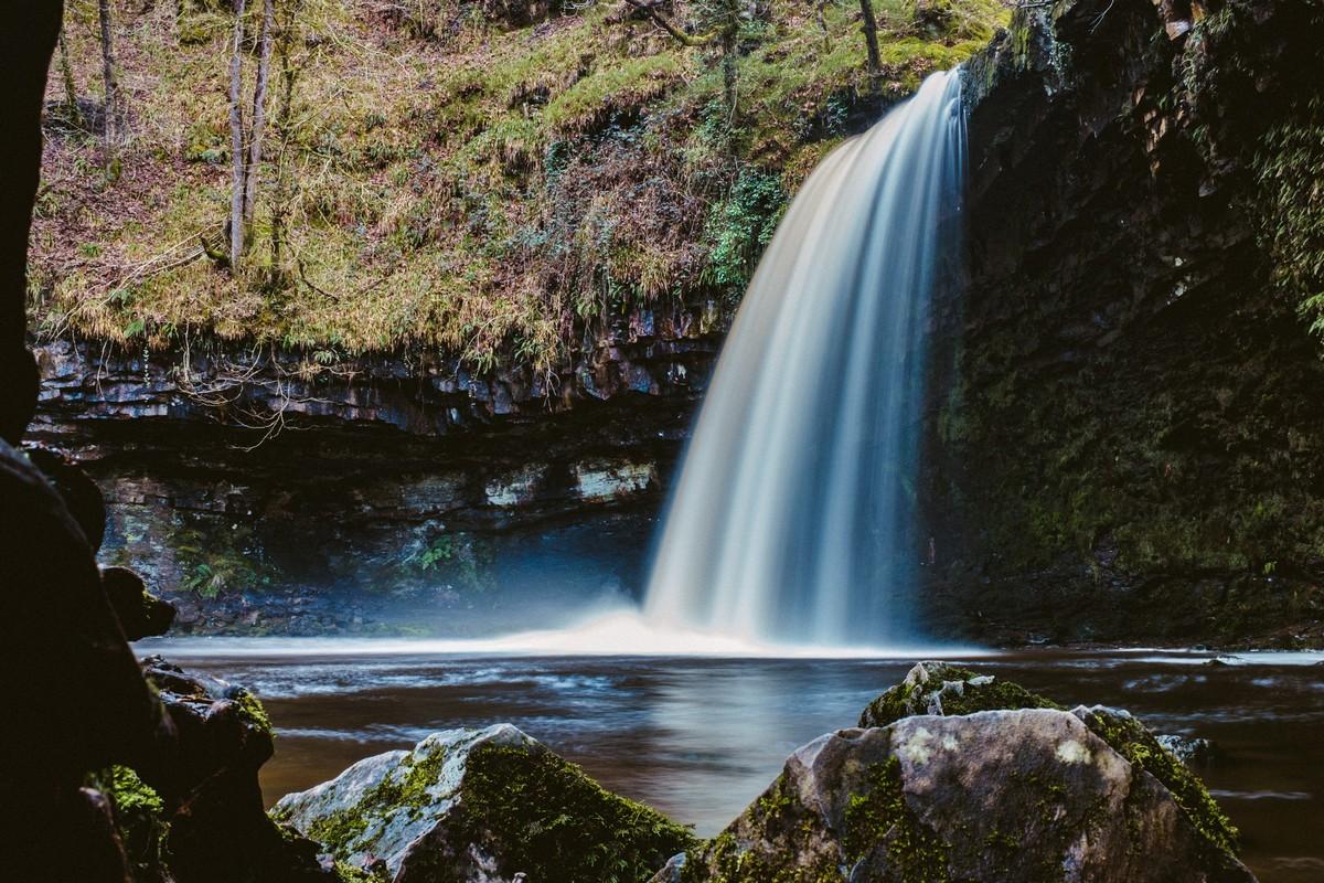 DSCF4790-Waterfall 3 (Cropped).jpg