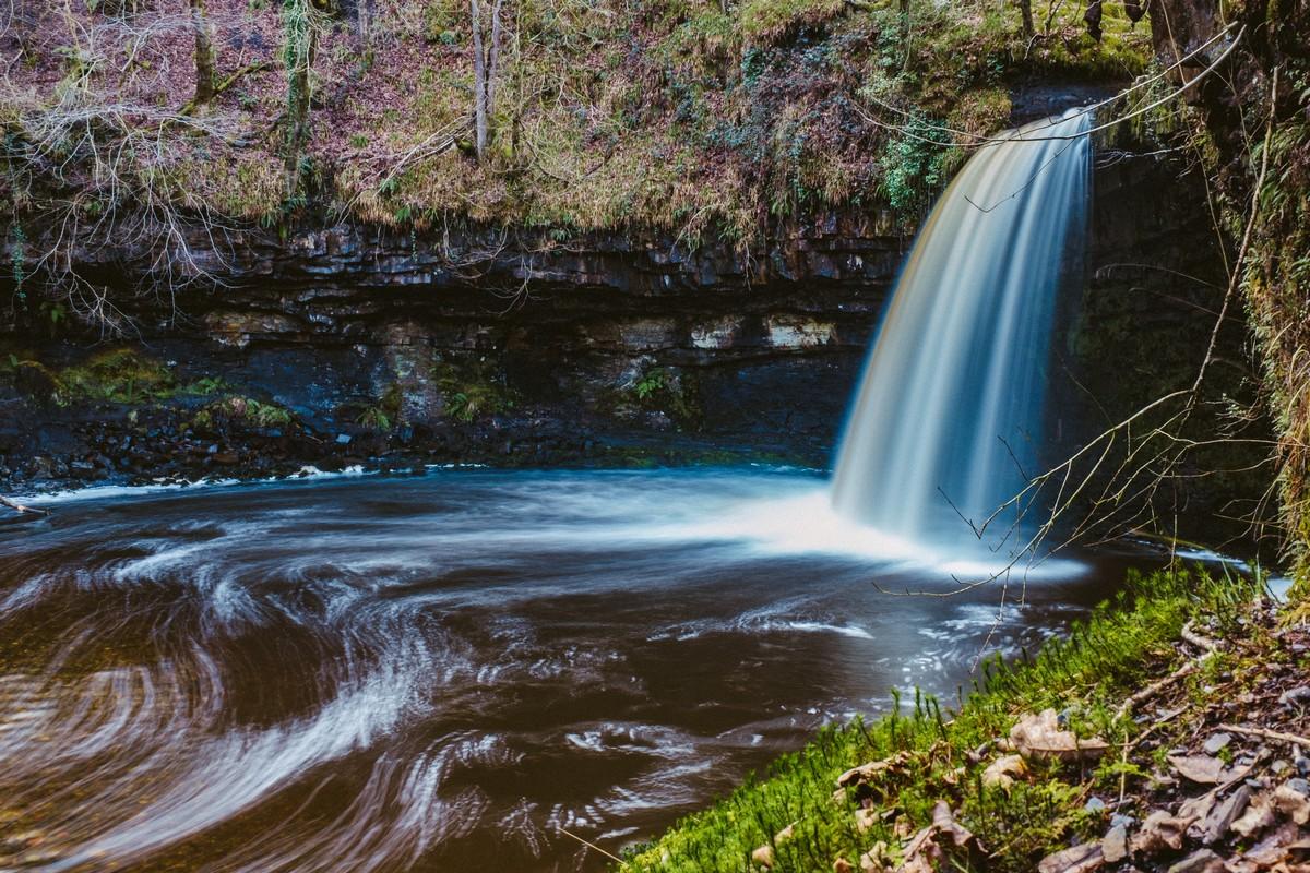 DSCF4801-Waterfall 3 (Cropped).jpg