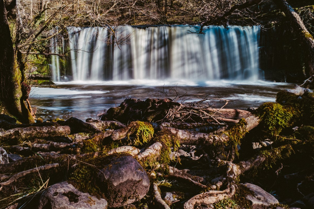 DSCF4865-Waterfall 2 (Exposure +0.30, Highlights -100).jpg