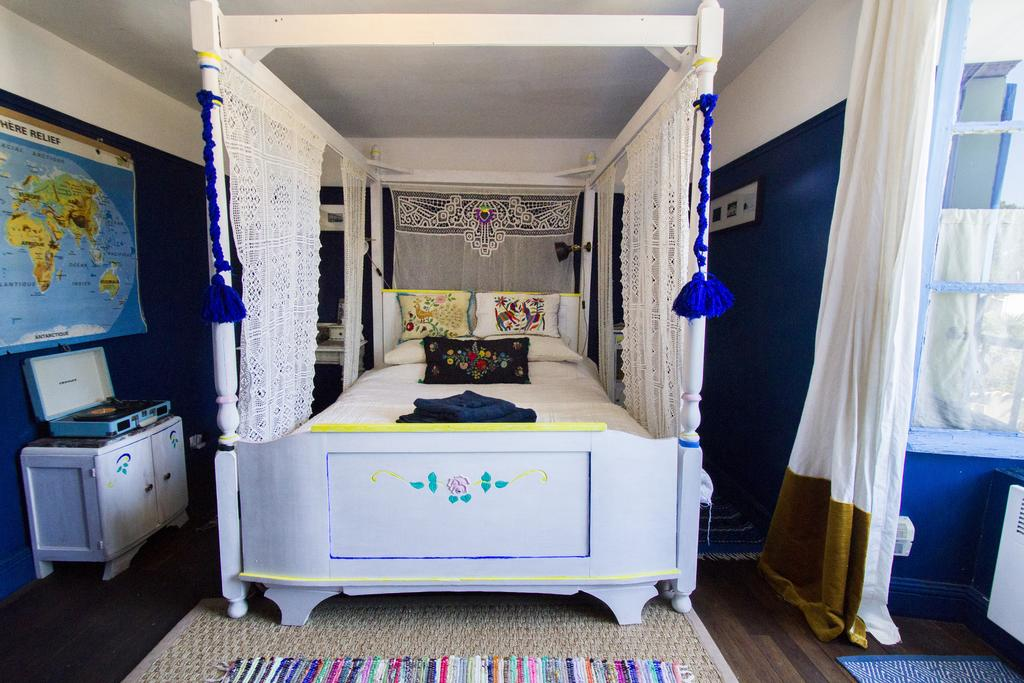 maison blue room .jpg
