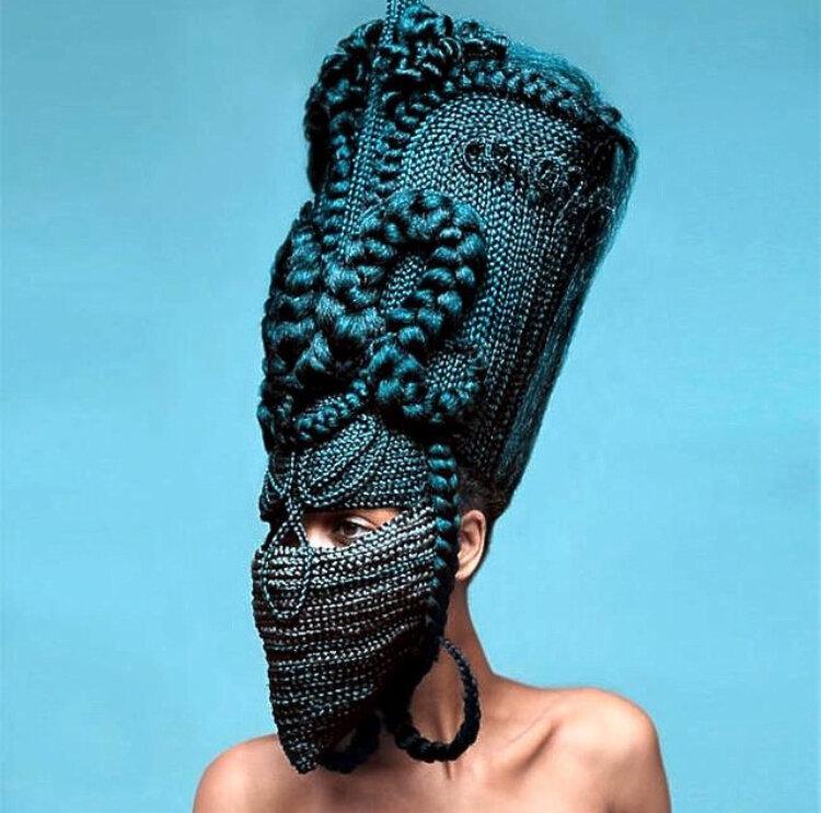 Joanne Petit-Frère - sculpture, Delphine Diallo - photography