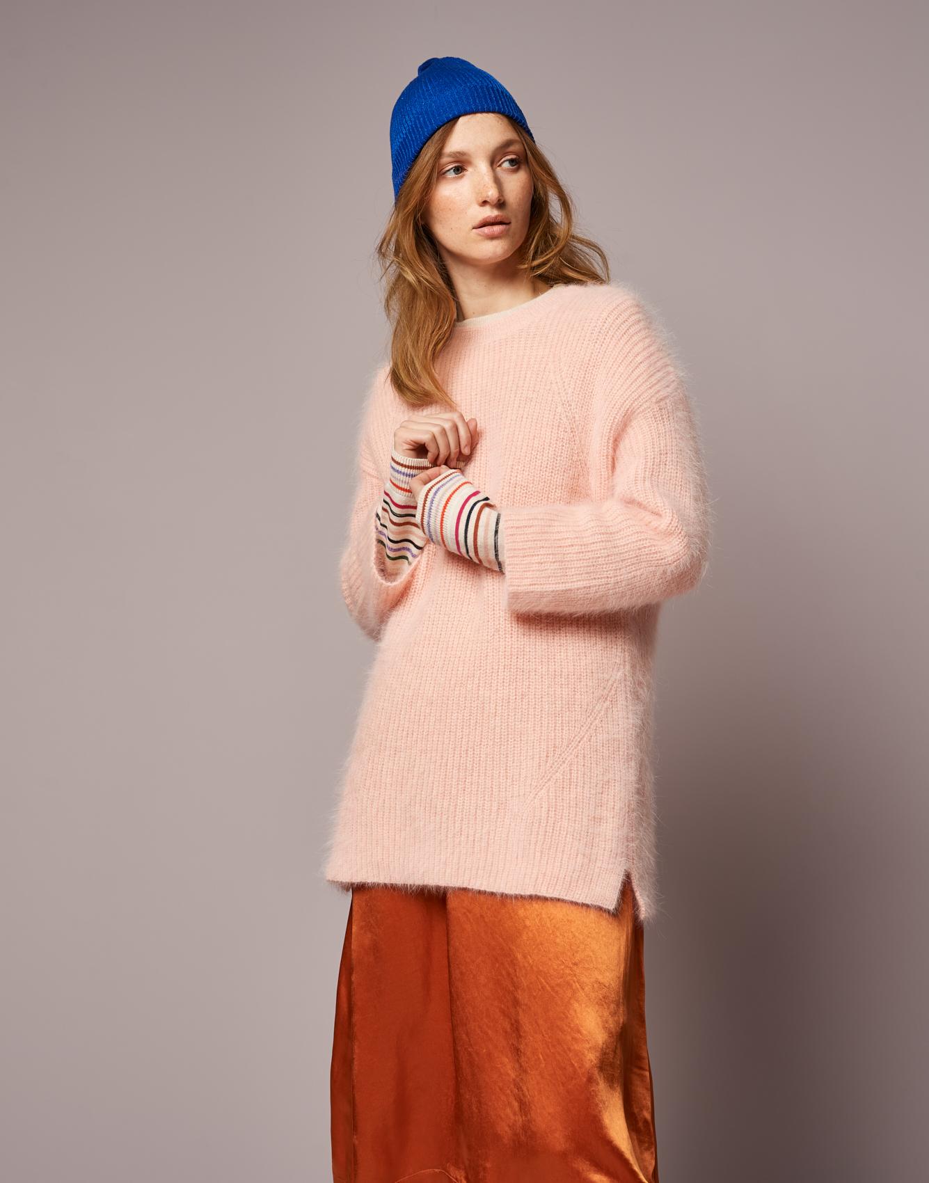 Knitwear Datou  -  Knitwear Gopew  -  Skirt Lambda