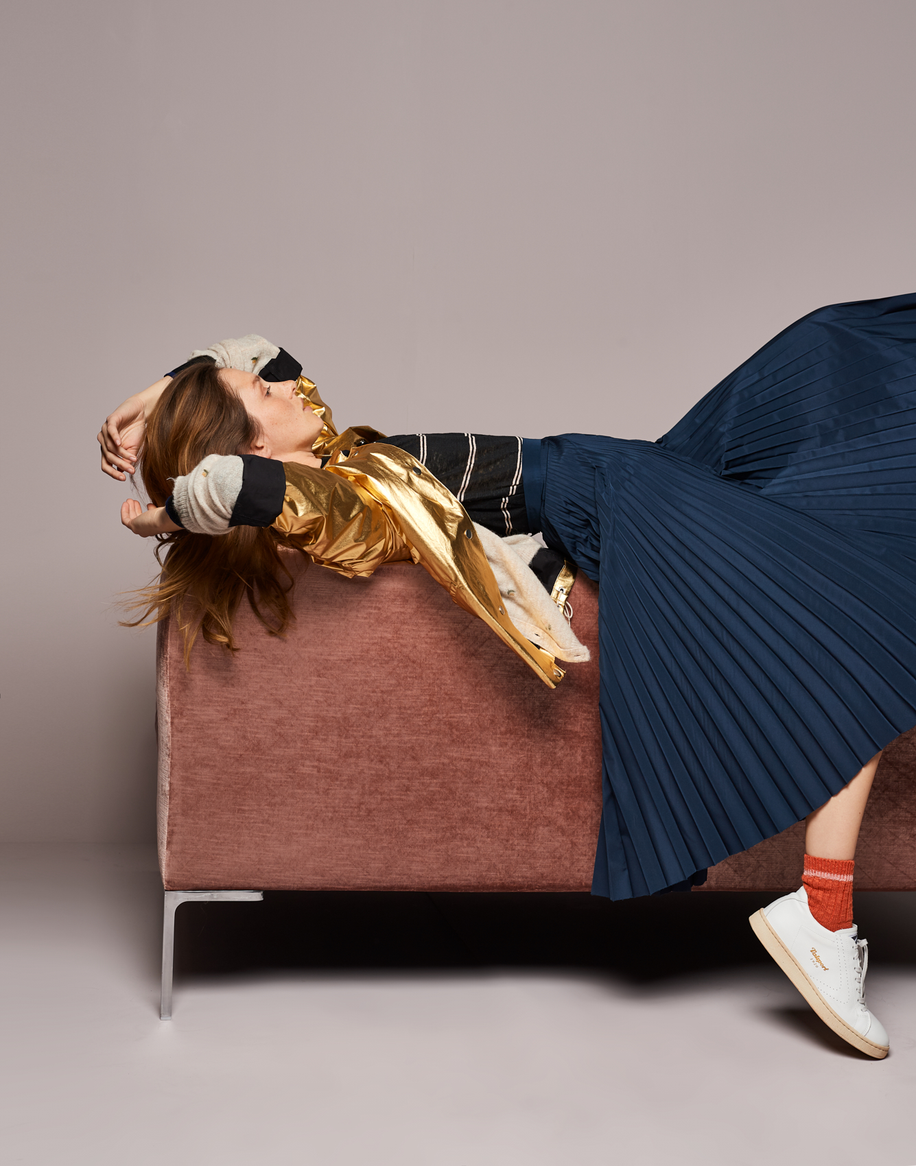 Skirt Sister  -  Knitwear Senia  -  Jacket Leeb
