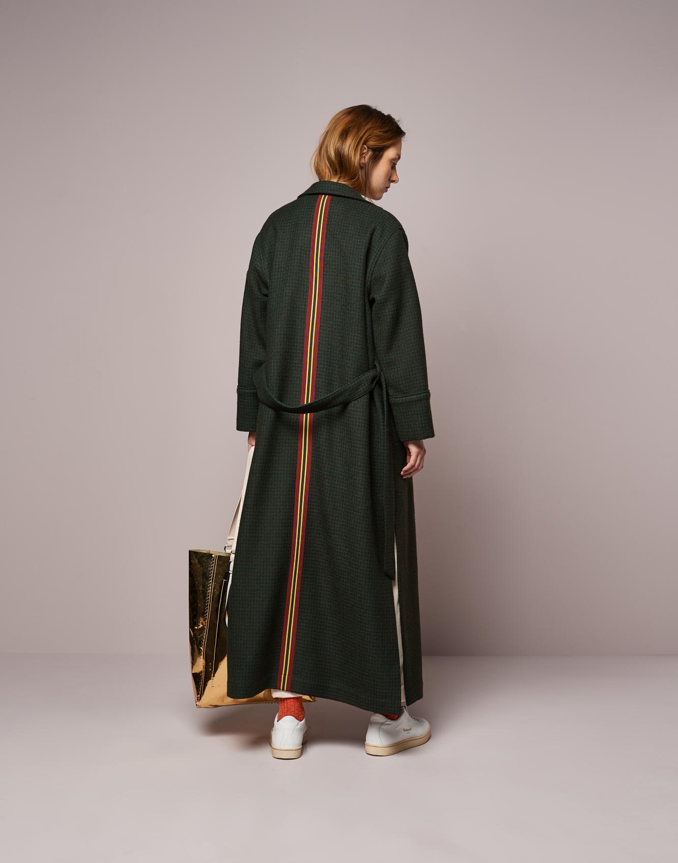 Coat Laekan