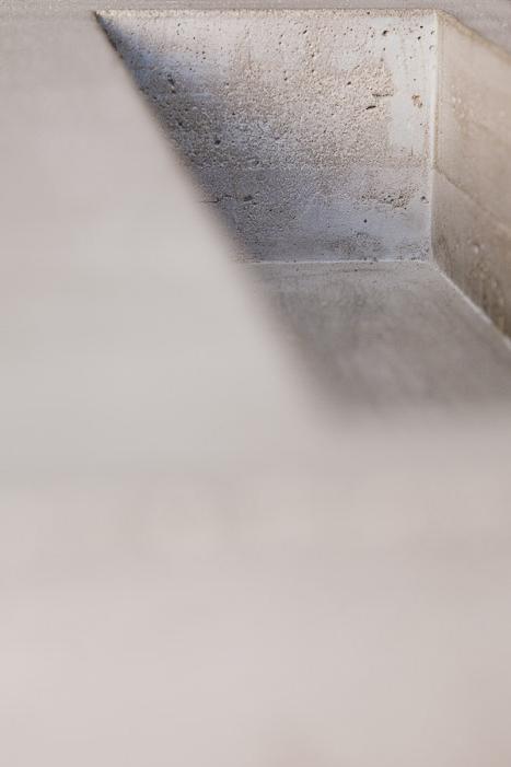 Concrete-Table_Sigurd-Larsen_danish-design-berlin-beton-tisch_-Furniture-by-Georg-Roske-2011-007.jpg