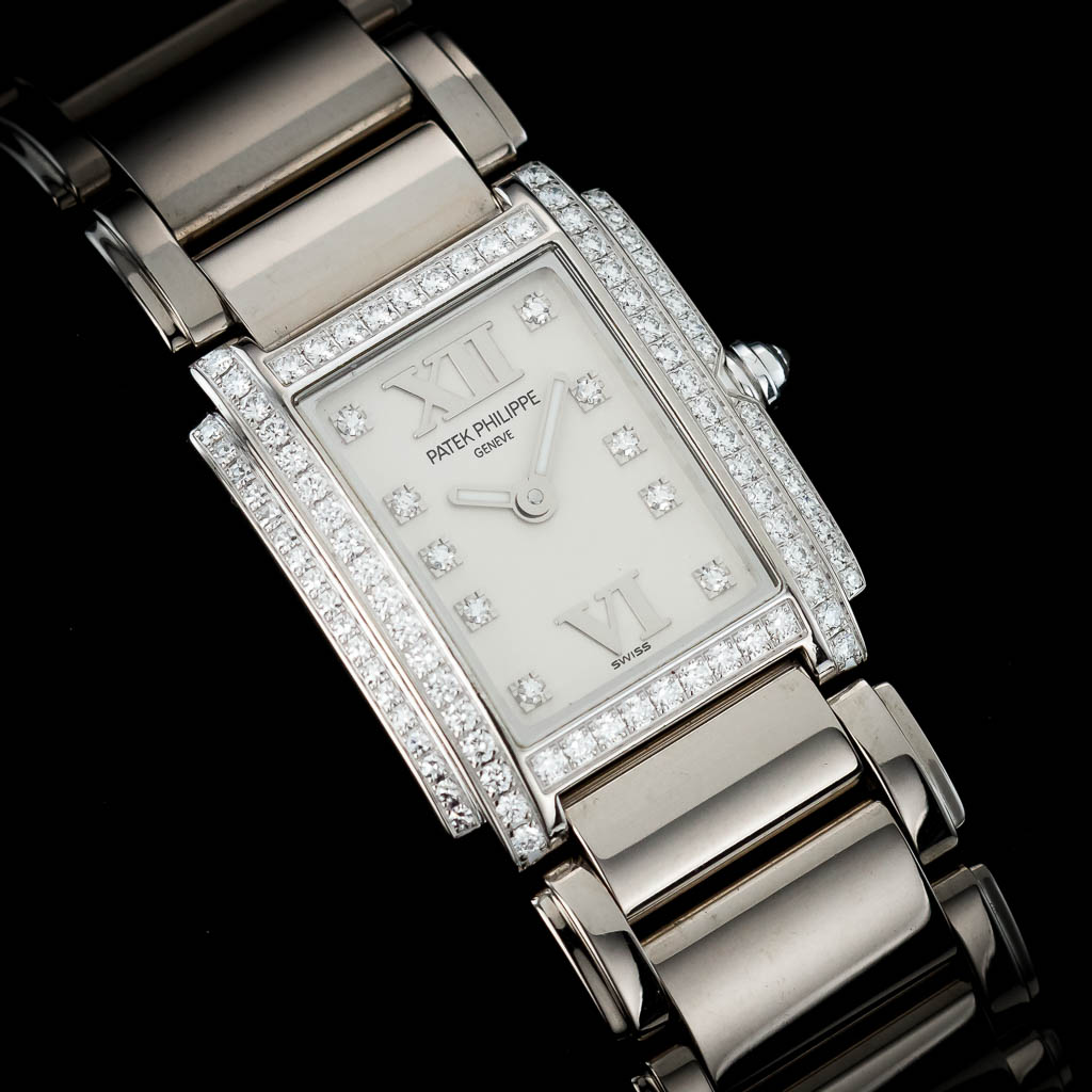 15-regaltime-london-dealer-PATEK-PHILIPPE-TWENTY-4-WHITE-GOLD-4908-200G-011-02.jpg