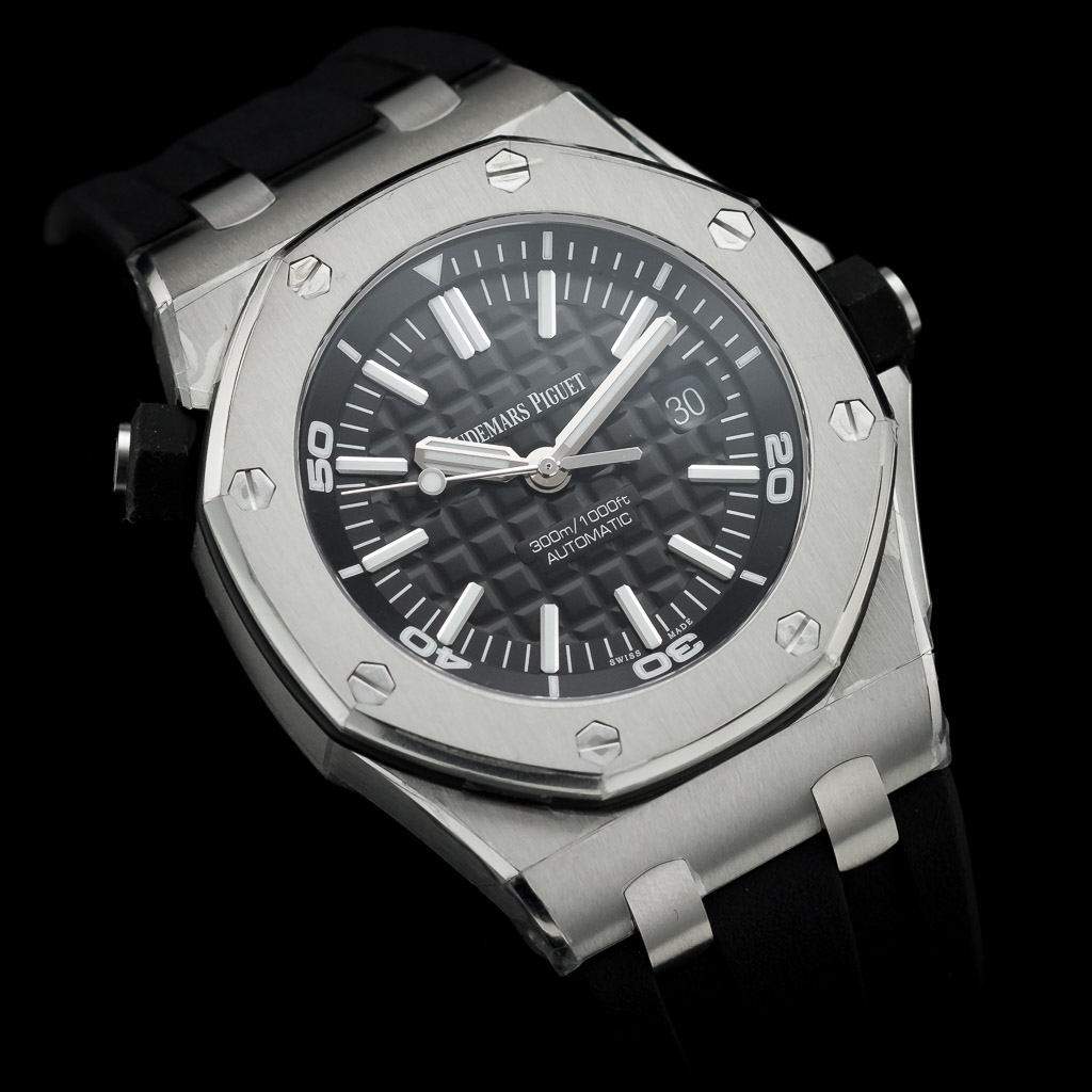 06_regal-time-audemars-piguet-royal-oak-offshore-scuba-15710ST-OO-A002CA-01-london-02.jpg