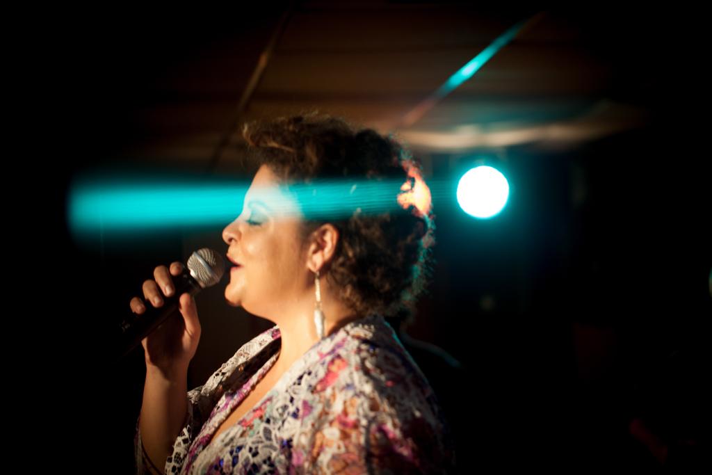 Fabiana Cozza, cantora