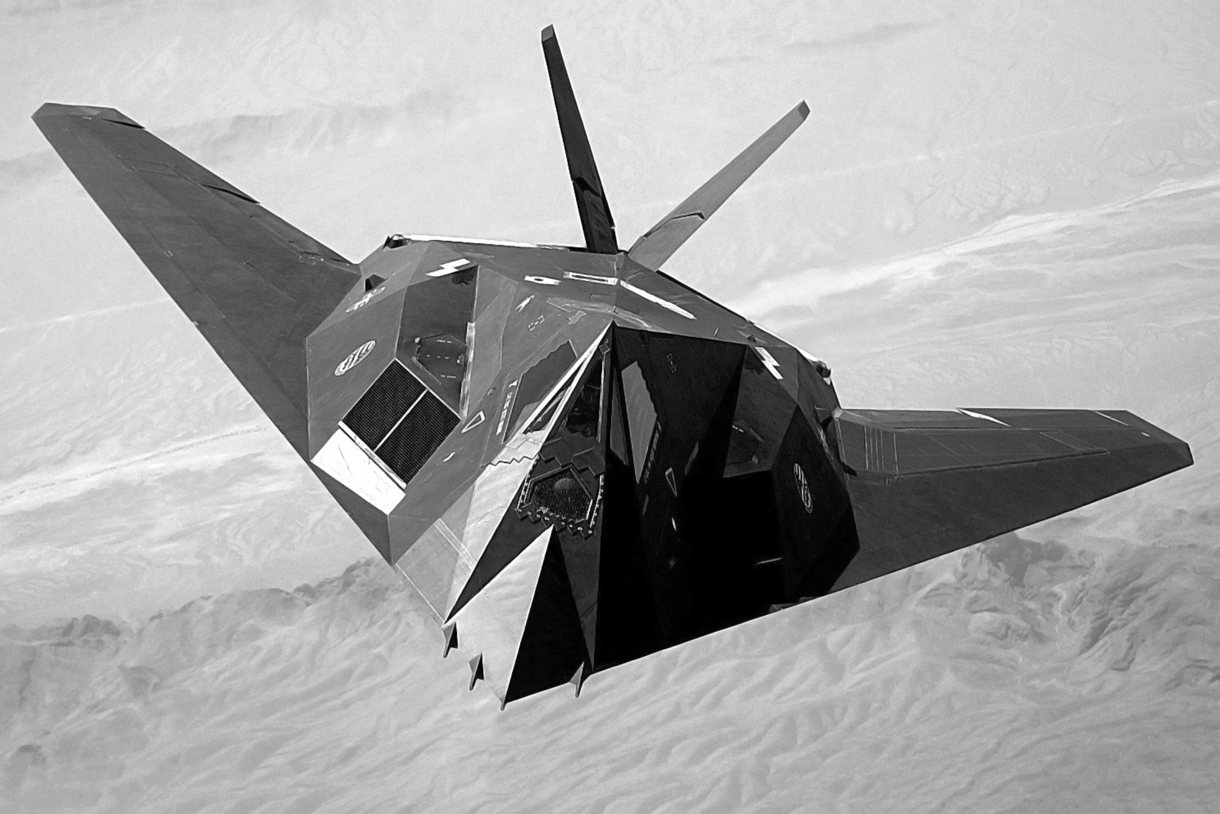 F-117_Nighthawk_Front-blackandwhite.jpg
