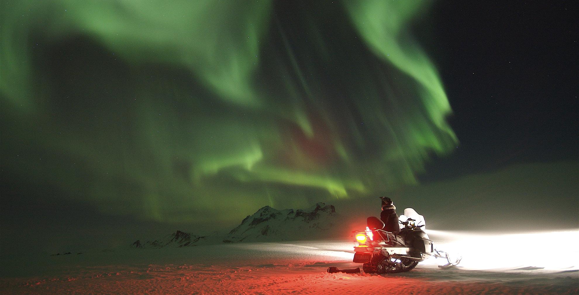 Norhtern Ligths snowmobile Iceland Atlantik incentive cruise conference DMC PCO.jpg