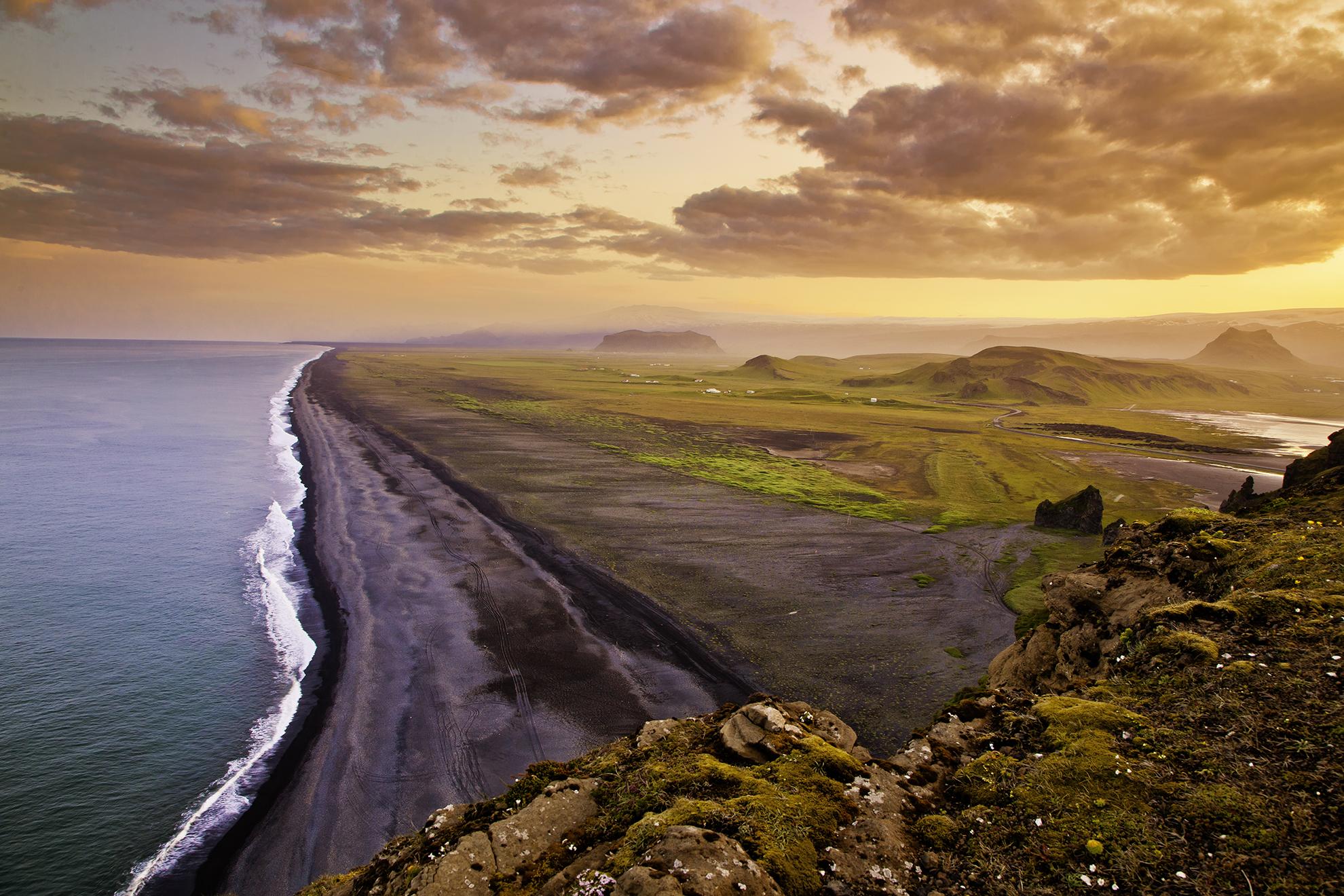 Helicopter Iceland Landscape Atlantik DMC Incentive Cruise Conference PCO.jpg