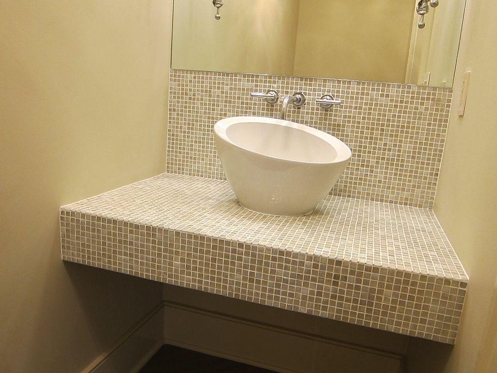 underwood.halfbathroom.jpg