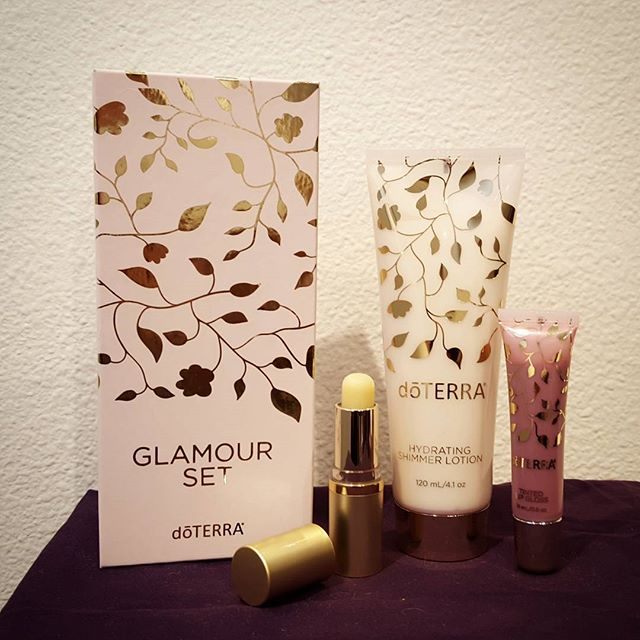 I'm really excited about this holiday #glamourset from #doterra!  #shimmerlotion #exfoliatinglipscrub #tintedlipgloss