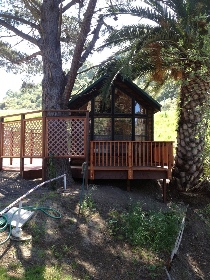 Picture of outside of cabin