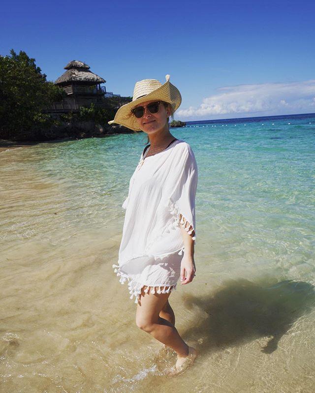 Jamaica is pretty, but my wife is prettier! #honeymoon #ochoriosjamaica #passportstamp