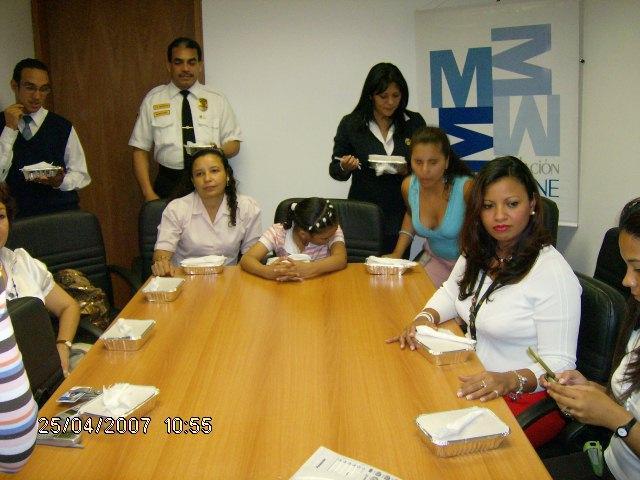 Almuerzo Voluntarios1.JPG