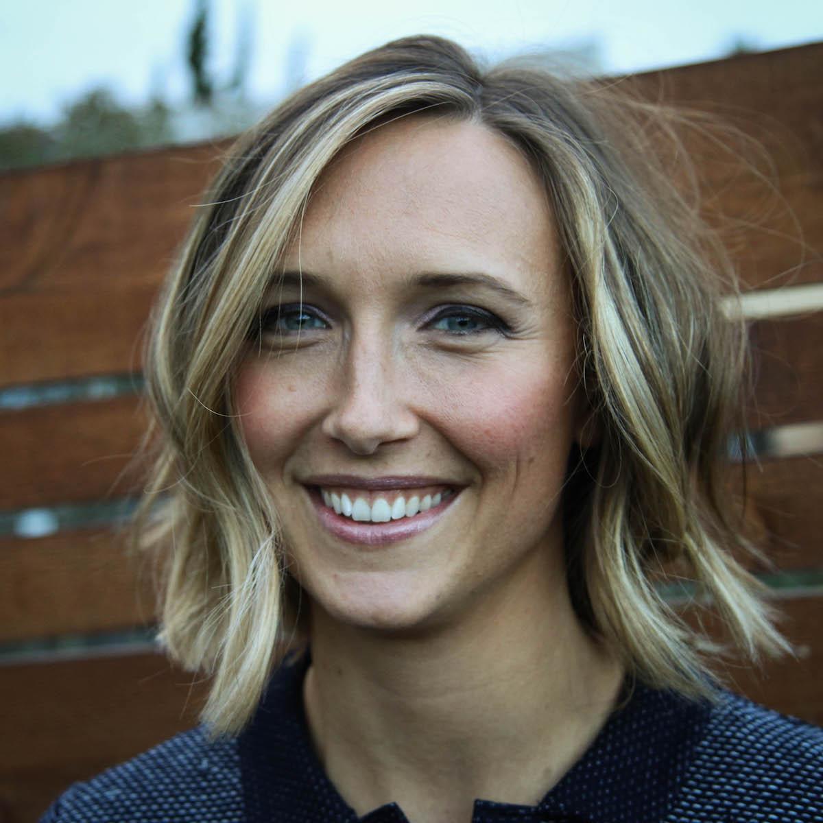 Hannah Erickson headshot