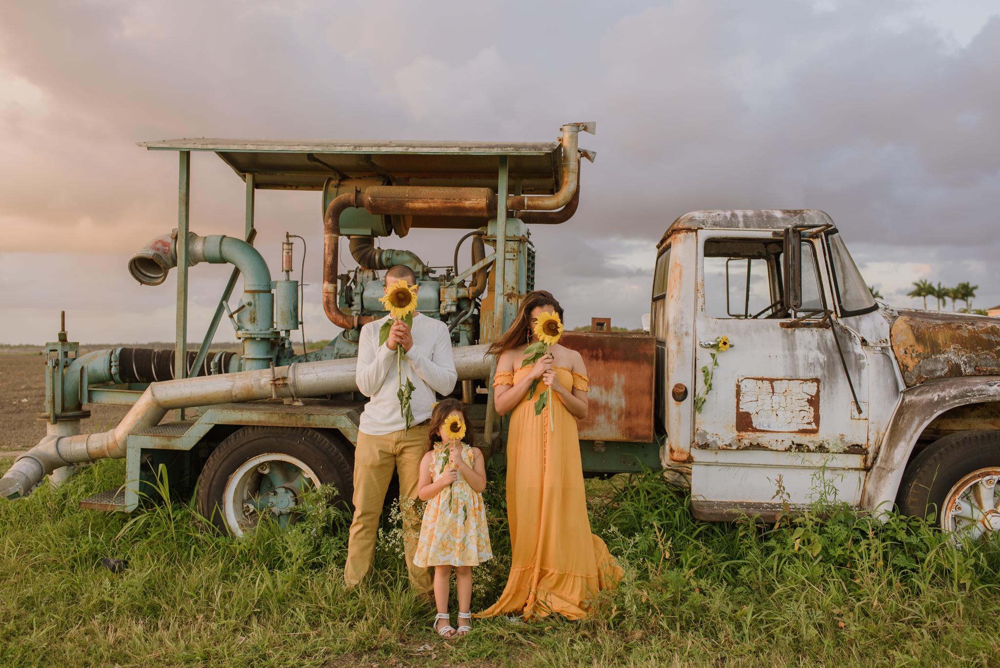 miami-sunflower-engagement-vanessa-and-johnny-photography-video-1-59.jpg