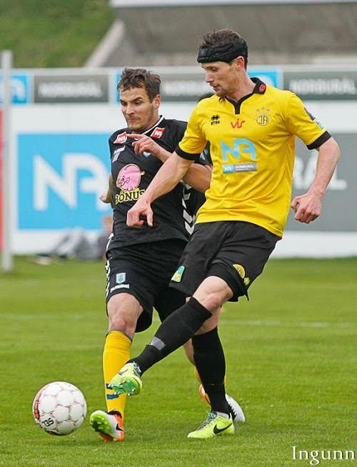 Darren Lough in action for IA Akranes this season