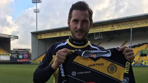 Gary Martin unveiled as a KSC Lokeren player