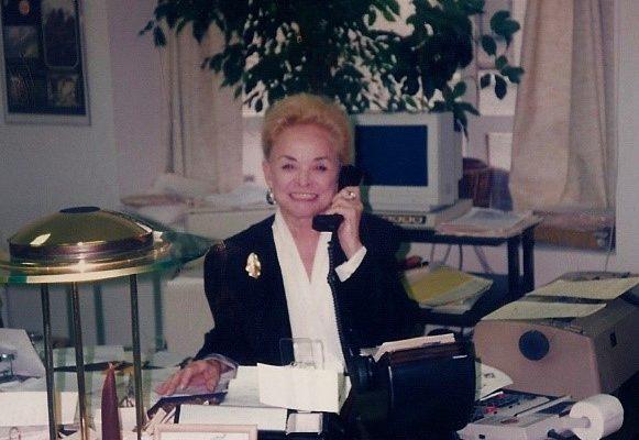 Erna-Knudsen-image-at-desk-581x400.jpg