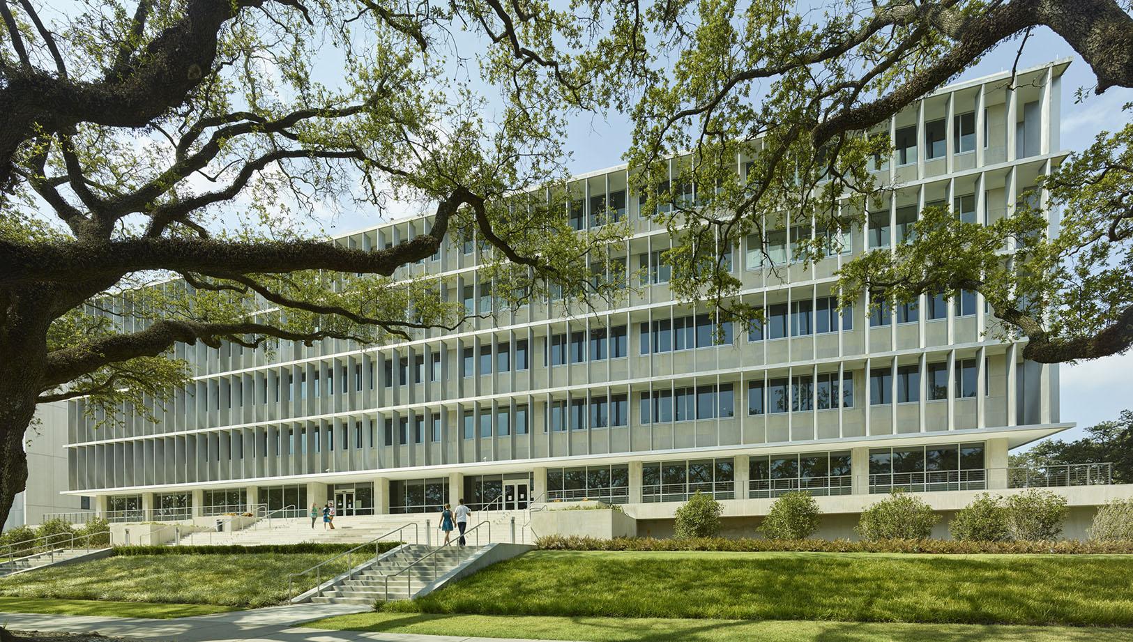 Figure       SEQ Figure \* ARABIC     5:        Exterior, the Pan American Life Building (now the New Orleans VA Hospital Administration Building), post renovation (2014). Photographer: Tim Hursley