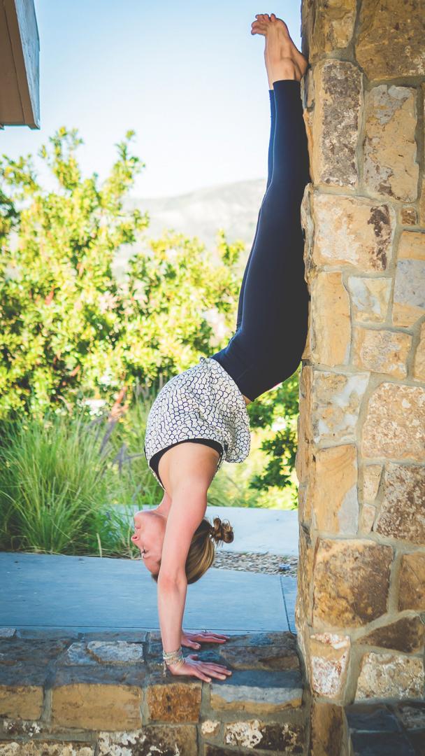 Katie Allen handstand