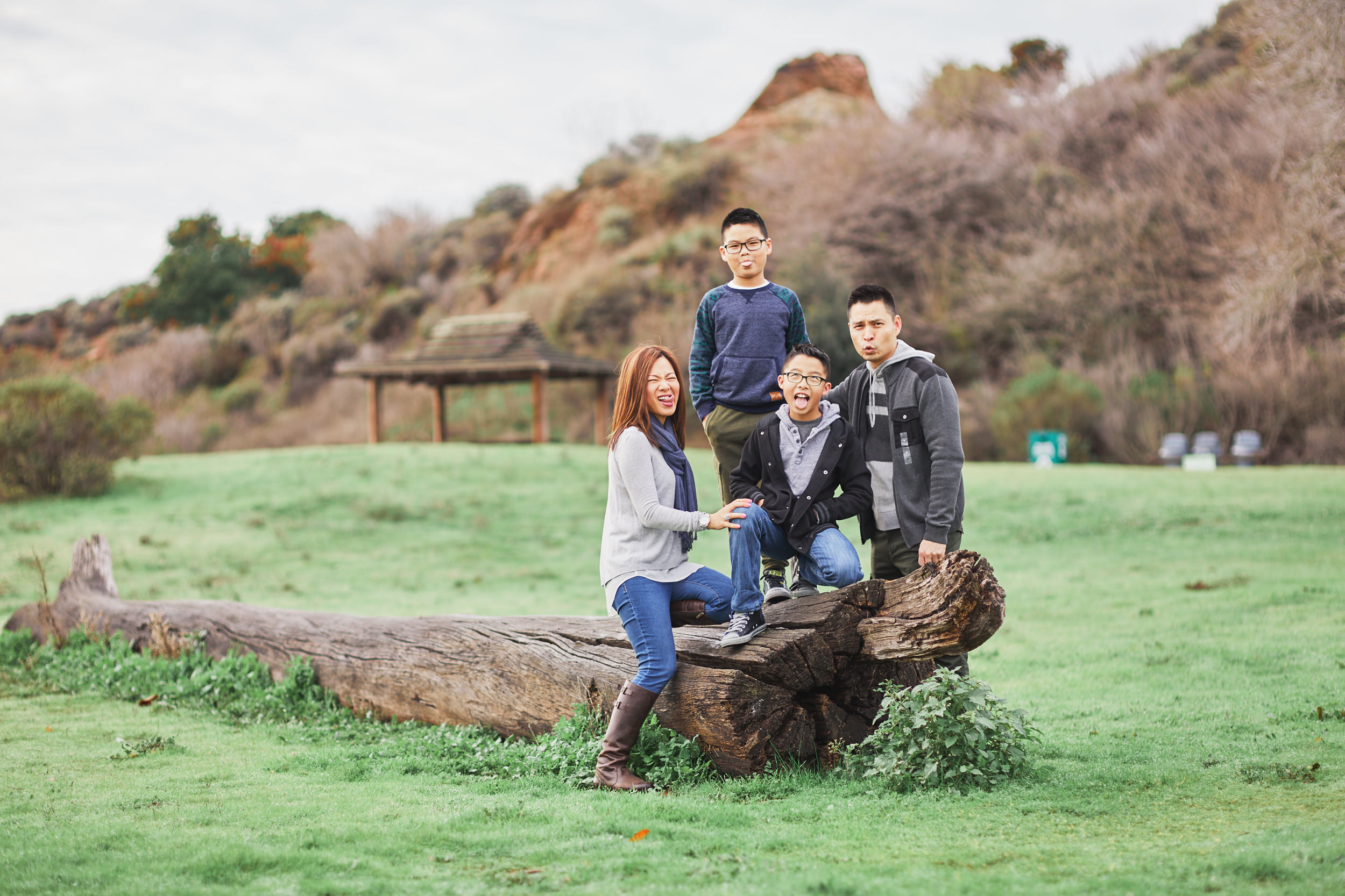 12-11-16_0071_chan_family.jpg