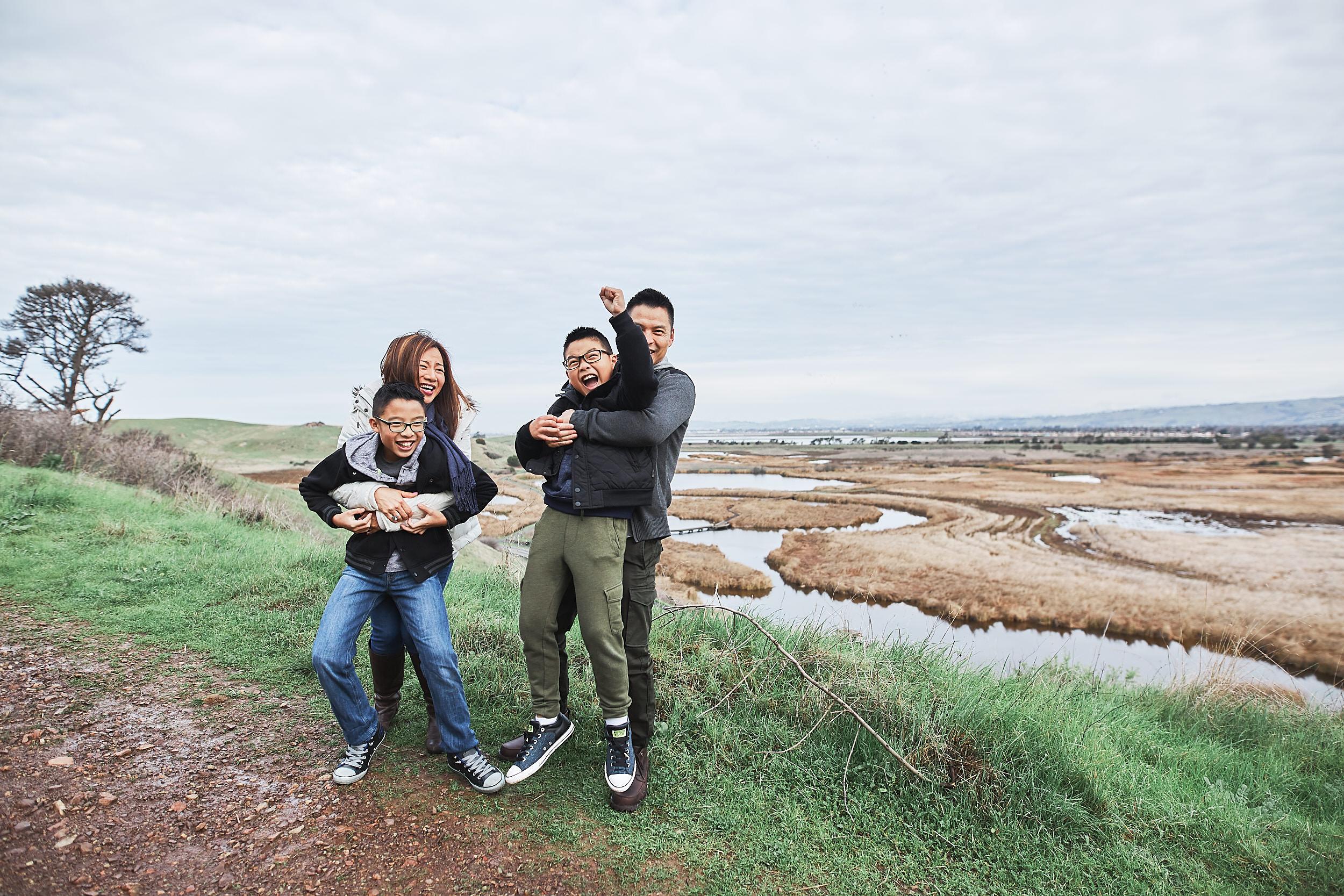 12-11-16_0235_chan_family.jpg