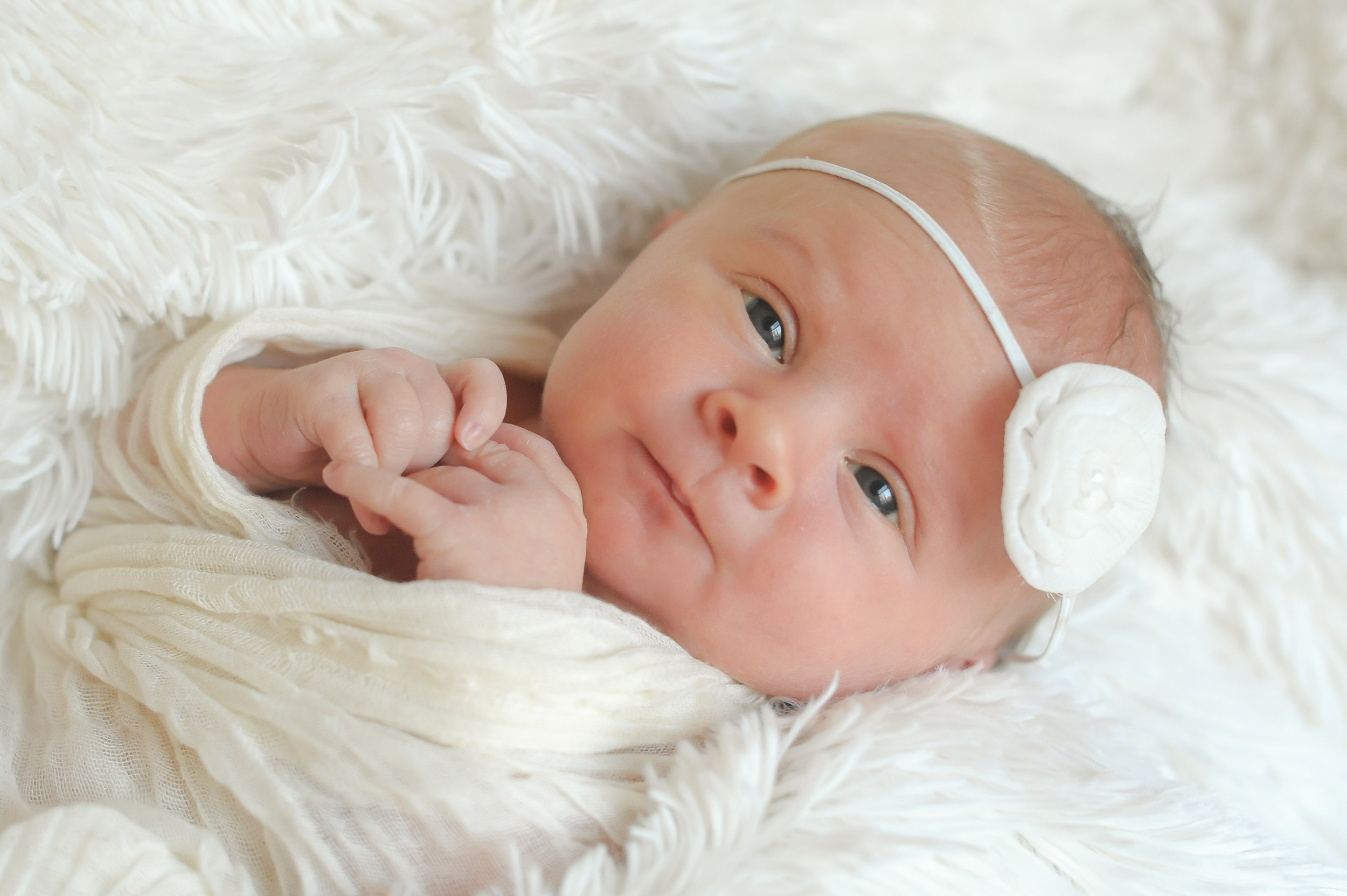 Lucy Newborn-7.jpg