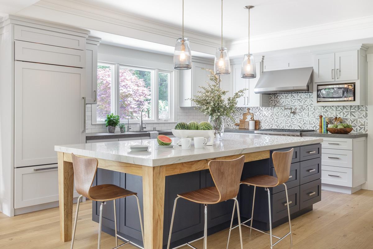 white-natural-wood-kitchen.jpg