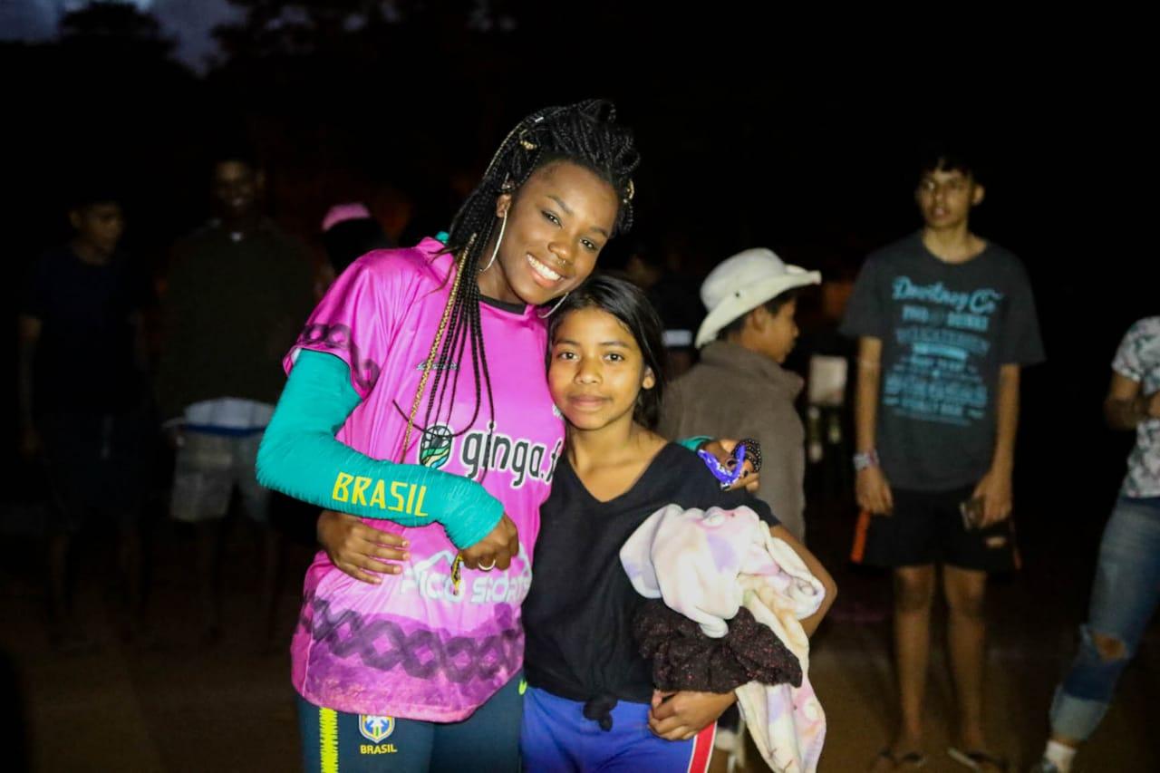 Recentemente as mulheres do Xondarias Guarani receberam a visita da  Ludmila , jogadora da  Seleção Brasileira de Futebol Feminino  e que disputou a última  Copa do Mundo  da modalidade.