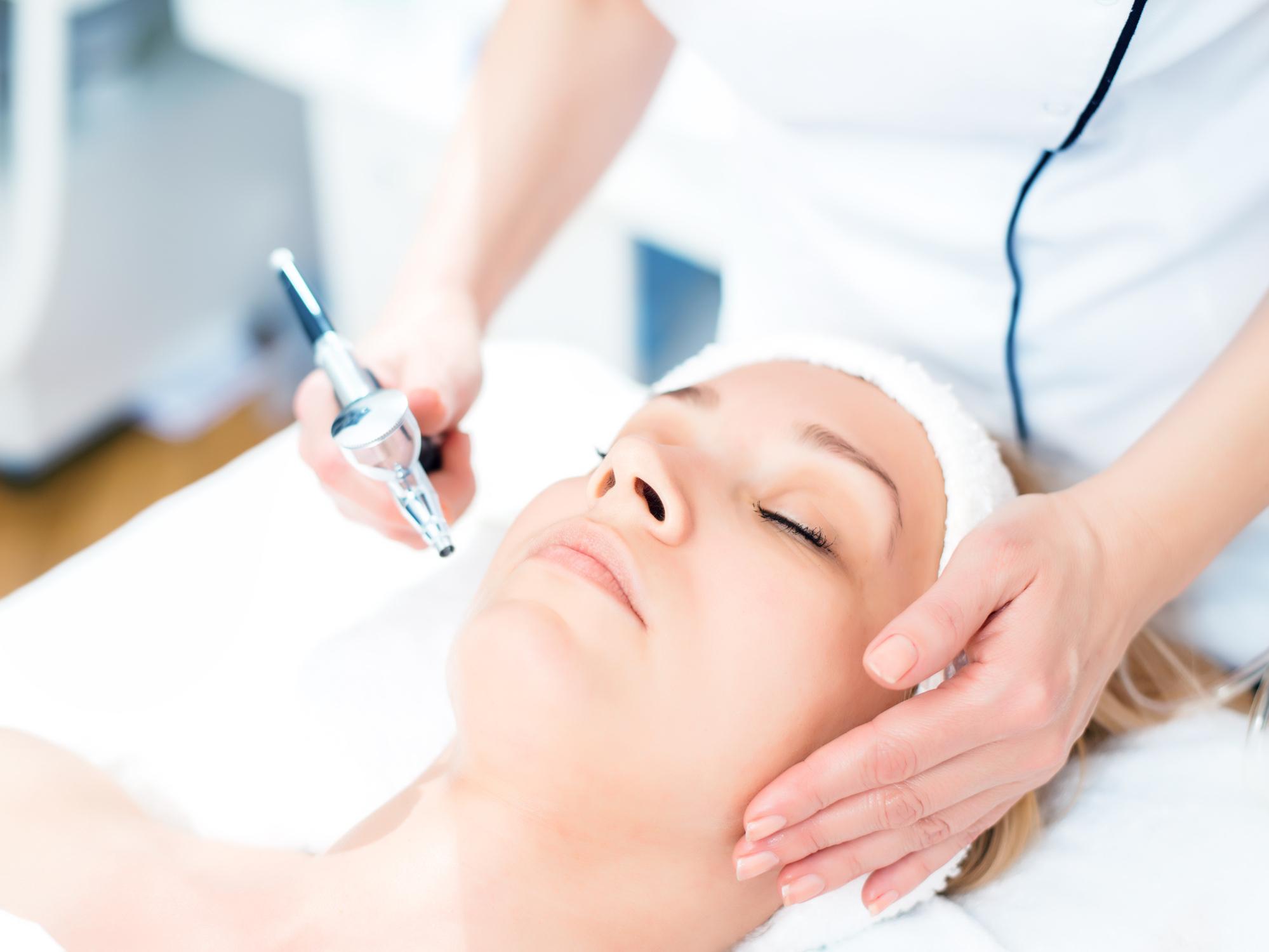 hih oxygen infusion facial istock image.jpg