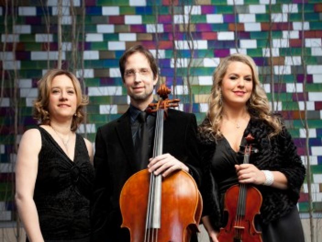 Finisterra Trio